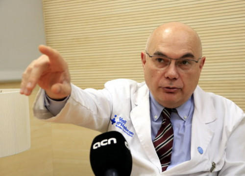 Dr. Josep Tabernero, head of oncology at Barcelona's Vall d'Hebron hospital, speaks in an interview with the Catalan News Agency (by Laura Fíguls)