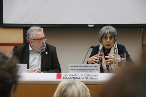 The Secretary of Public Health, Joan Guix, and Dr. Assumpta Ricard, give details of the first case of coronavirus in Catalonia, February 25, 2020 (by Miquel Codolar)