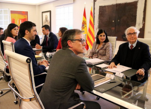 Image of both Catalan and Spanish delegations sitting at a table in Madrid on February 26, 2020 (by Gemma Tubert)