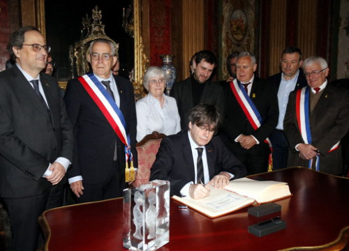 The Catalan former president, Carles Puigdemont, visiting Perpignan town hall, on February 29, 2020