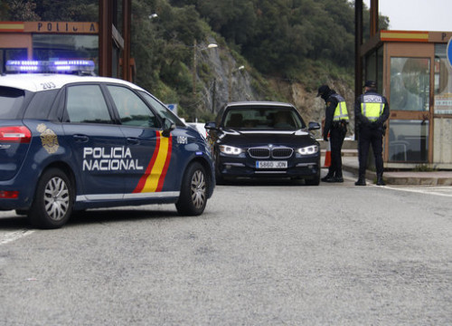 Police control at the France-Catalonia border in El Pertús (by ACN)