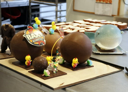 Image of 'mones,' the chocolate figures that adorn the traditional Easter cakes (by Gemma Aleman)