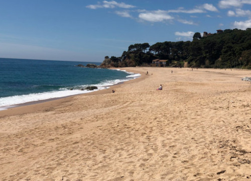 Lloret de Mar beach, one of the most popular areas for visitors in the summer (by Aleix Freixas)