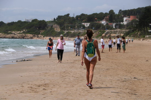 more restrictions lifted on barcelona beaches while bathing allowed in phase 2 areas more restrictions lifted on barcelona