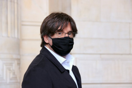 Former Catalan president Carles Puigdemont arrives at Belgian courts to accompany former minister Lluís Puig for his extradition case hearing (by Natàlia Segura)