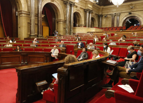 Image of a Catalan parliament plenary session on July 7, 2020 (by Mariona Puig)