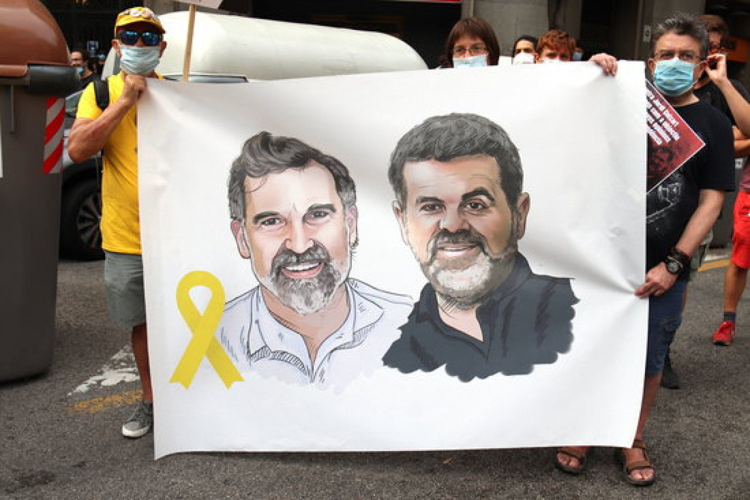 Banner in support of the two pro-independence activists jailed in the Catalan Trial, Jordi Sànchez and Jordi Cuixart (by Aina Martí)