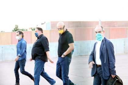 Jailed Catalan leaders leave the Lledoners penitentiary for a day. From left to right: Jordi Cuixart, Oriol Junqueras, Raül Romeva, and Jordi Turull (by Mar Martí)