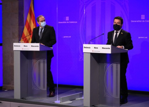 Catalan president Quim Torra (left) and vice president Pere Aragonès (right) during a press conference (by Jordi Bedmar/Govern)