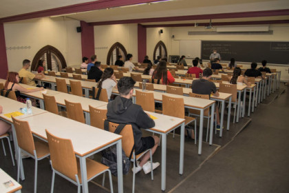 Students sit the university entrance exams in the University of Lleida (photo courtesy of UdL)
