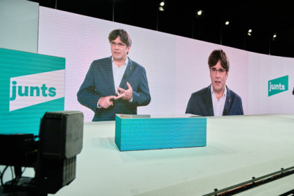 Carles Puigdemont appears via video link at the formation of Junts per Catalunya as a political party (by JxCat)