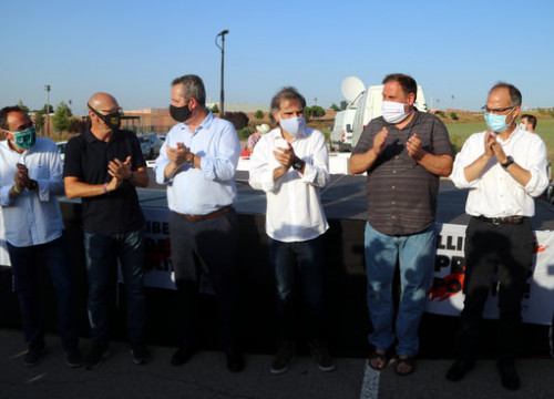Pro-independence leaders outside Lledoners prison, July 28, 2020 (by Estefania Escolà)