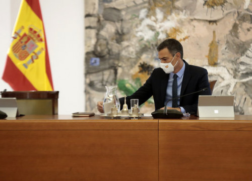 Spanish president Pedro Sánchez at a cabinet meeting, August 25, 2020 (by Moncloa/José María Cuadrado)