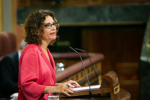 Spanish finance minister María Jesús Montero speaks in congress in Madrid (image from Spanish congress)