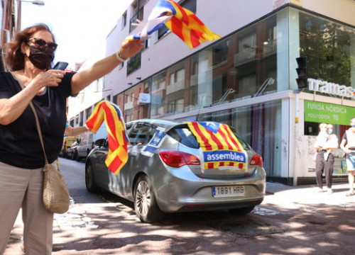 Drivers join a pro-independence demonstration in Sabadell on Catalonia's National Day (by Norma Vidal)