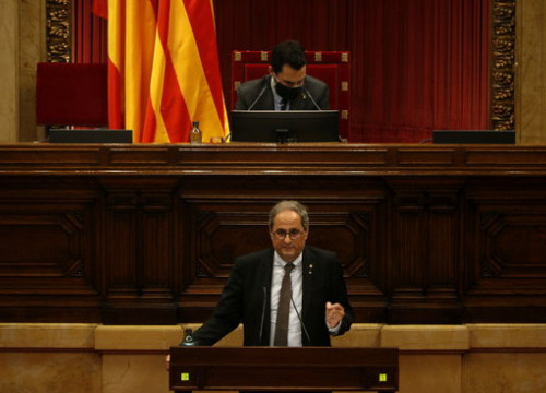 Ousted president Quim Torra addresses parliament during a debate on his removal from office, September 30, 2020 (by Guillem Roset)