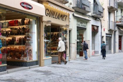 Shops in the center of Girona on October 14, 2020 (by Gemma Tubert)