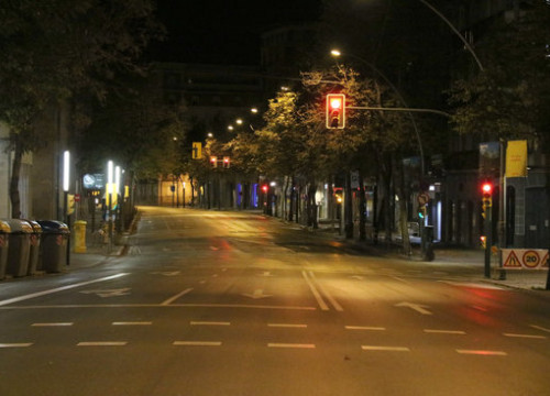 Girona's Gran Via Jaume I empty on Sunday October 25, 2020 during night curfew (by Gerard Vilà)
