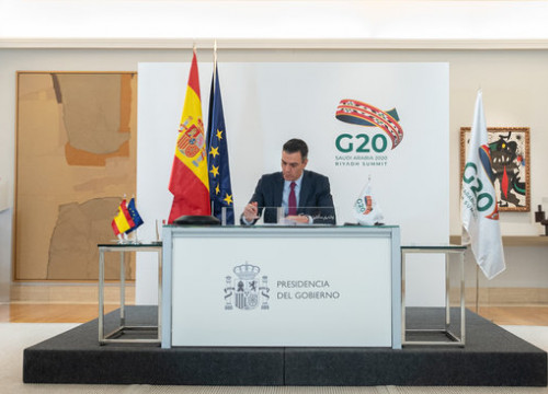 Spanish president Pedro Sánchez speaks at the G-20 summit (image by Borja Puig de la Bellacasa/Pool Moncloa)