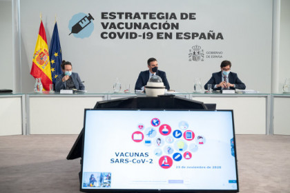 A Spanish government meeting on the vaccination strategy on November 23, 2020 (by Pool Moncloa / Borja Puig de la Bellacasa)