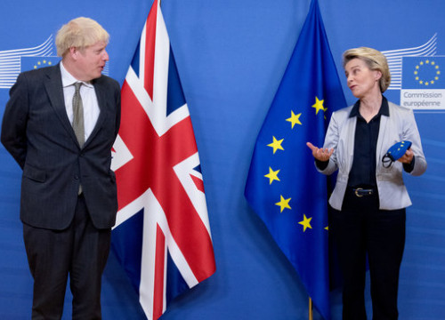 President of the European Commission Ursula von der Leyen greets British Prime Minister Boris Johnson in Brussels to negotiate post-Brexit trade deal, December 9, 2020 (European Commission)