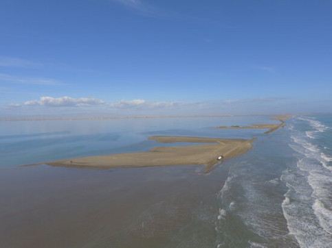 Aerial view of the Trabucador isthmus in the Ebre delta after Storm Filomena, January 18, 2021 (by Quim Vallès)