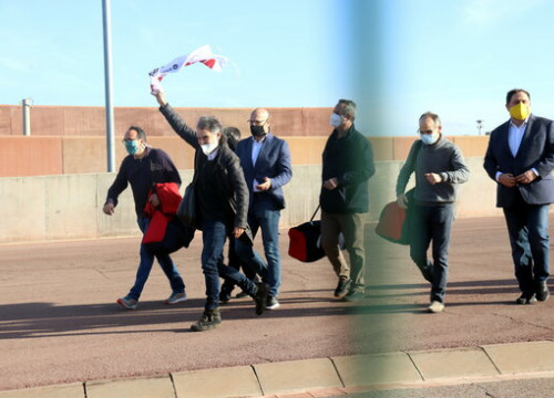 Seven pro-independence leaders walking out of the Lledoners prison (by Mar Martí)