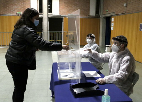 A trial vote in Sant Julià de Ramis, to test public health protocols in anticipation of the Catalan elections on February 5, 2021 (by Marina López)