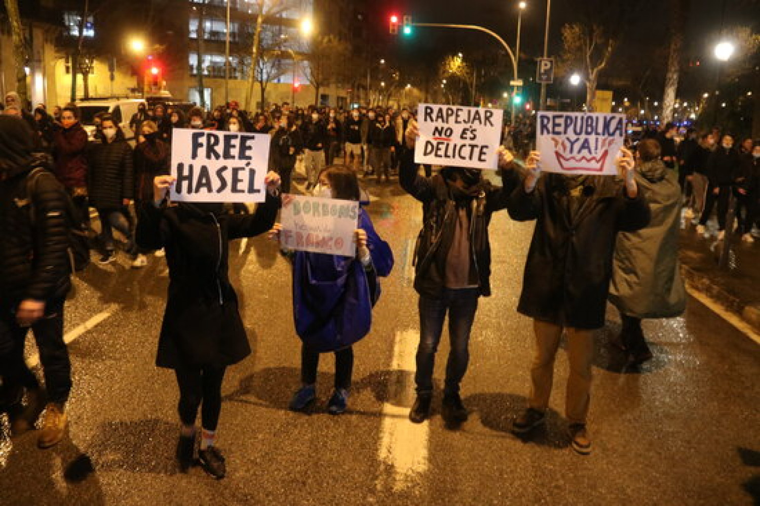 Demonstrators in Barcelona show support for jailed rapper Pablo Hasel, February 22, 2021 (by Miquel Codolar)