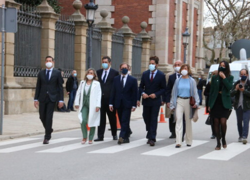 Far-right Vox MPs arrive at the Catalan parliament for the first day of the 13th legislature, March 12, 2021 (by Bernat Vilaró)