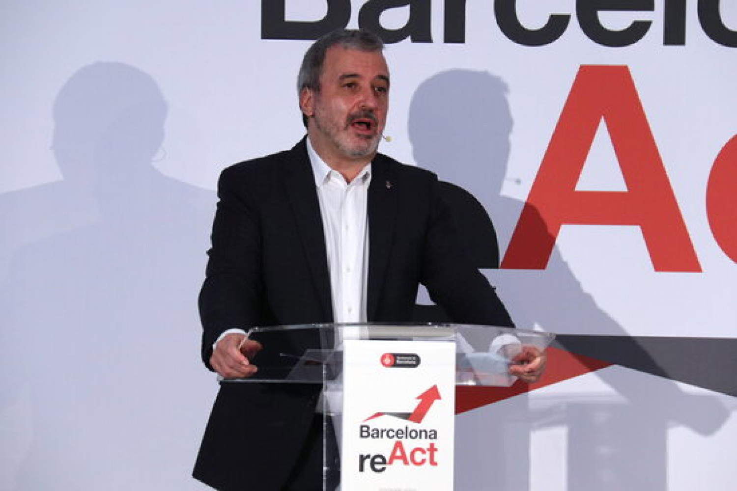 Barcelona deputy mayor Jaume Collboni speaks at a Barcelona reAct press conference in March, 2021 (by Aina Martí)