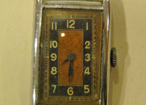 The wristwatch confiscated by the Nazis from Catalan exile Joan Lladó (Used with permission)