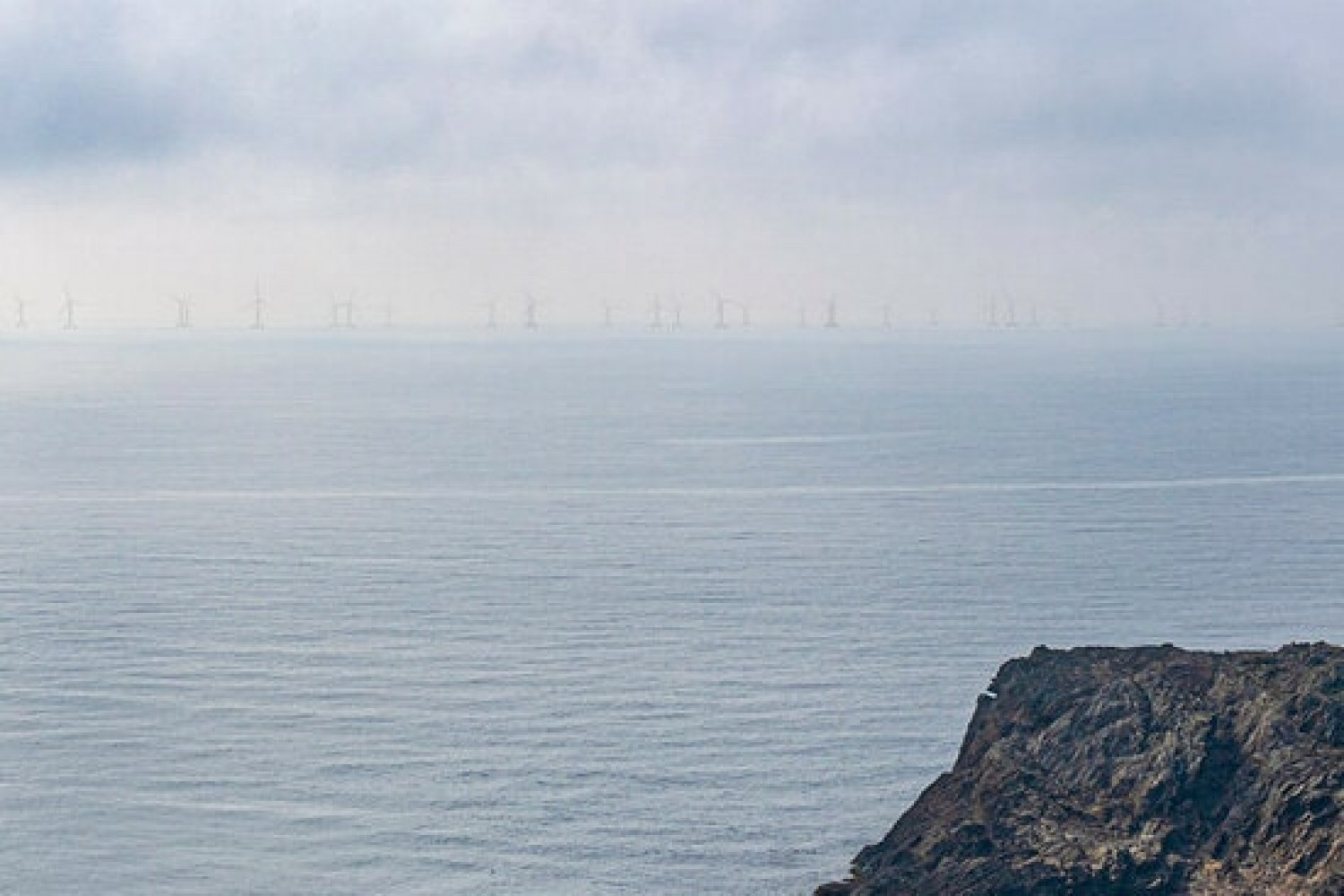 Image portraying what the Parc Tramuntana wind farm off the Cap de Creus would look like