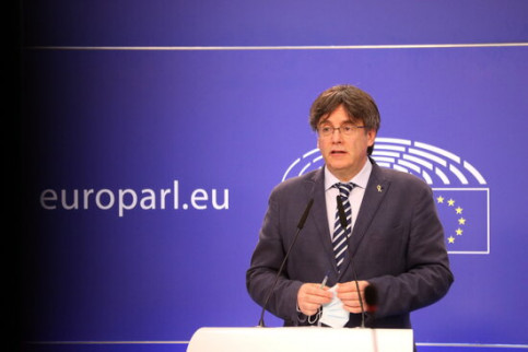 Former Catalan president Carles Puigdemont appearing before the media in Brussels on June 3, 2021 (by Nazaret Romero)