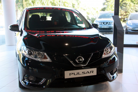 The new Pulsar model on display at the Nissan center on Octobver 23 2014 (by Sergi Sabaté)