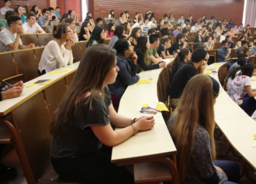 Students at a lecture in the Biology faculty of the University of Barcelona (by ACN)