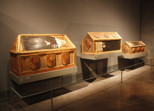 The three sarcophagus at the museum in Lleida (by Laura Cortés)