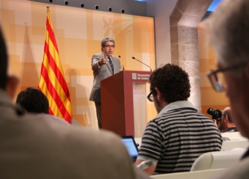 The Catalan Presidency Minister and Spokesperson, Francesc Homs, presenting the local government law (by R. Garrido)