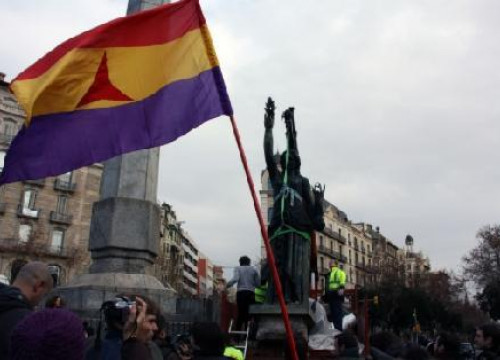 The last major Franco monument has been removed from Barcelona (by ACN)
