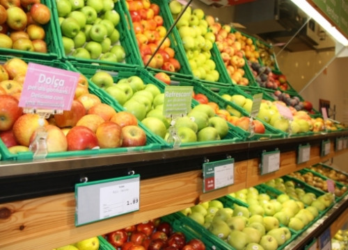 Fruit consumption increases when consumers have information on its sweetness and acidity