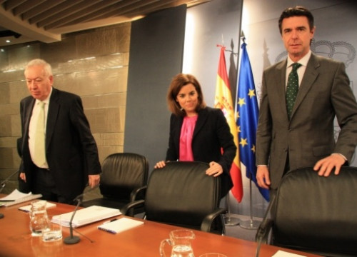 The Spanish Foreign Affairs Minister (left) on Friday (by R. Pi de Cabanyes)