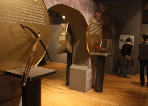 The exhibition at the City History Museum, one of the three showing medieval Girona (by L. Casademont)