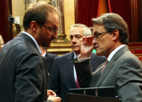 From left to right: Herrera (ICV-EUiA), Navarro (PSC) and Mas (CiU) (by R. Garrido)