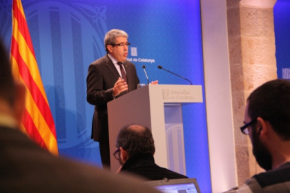 Francesc Homs in last Tuesday's press conference at the Generalitat Palace, the Catalan Government's headquarters (by R. Garrido)