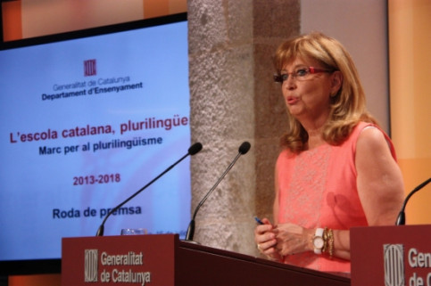 The Catalan Education Minister, Irene Rigau, presenting the multilingualism plan (by R. Garrido)
