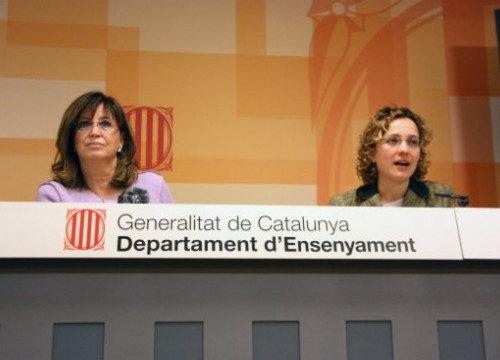 Irene Rigau (left) at the press conference (by O. Vazquez)