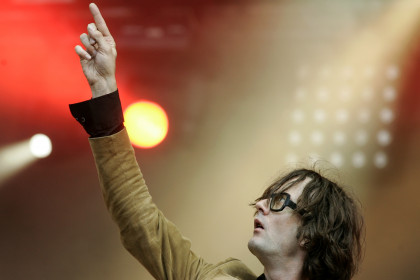 Jarvis Cocker at a concert in Saint Cloud, near Paris, in August 2007 (by Reuters / B. Tessier)