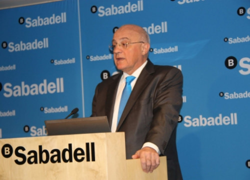Josep Oliu, President of the Banc Sabadell, announcing the 2013 results (by J. Molina)