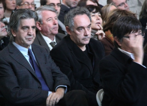 Juli Soler (left) next to Ferran Adrià (right) (by T. Tàpia)