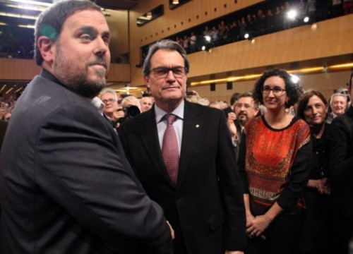 Oriol Junqueras (left) and Artur Mas (centre) on Tuesday (by A. Moldes)